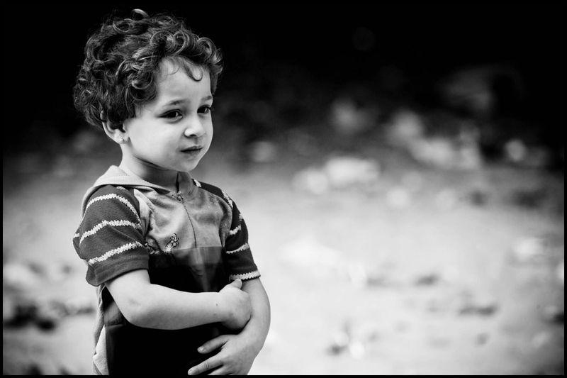 Zoriah_gaza_beach_refugee_camp_child_girl_xray_08_12_08_FD9T8151