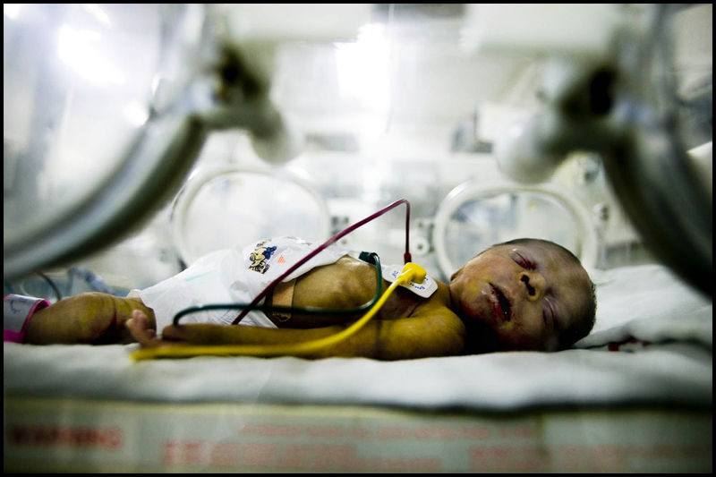 Zoriah_gaza_palestine_israel_palestinians_arab_muslim_medical_crisis_hospital_doctor_supplies_05-08-06-FD9T8772ci