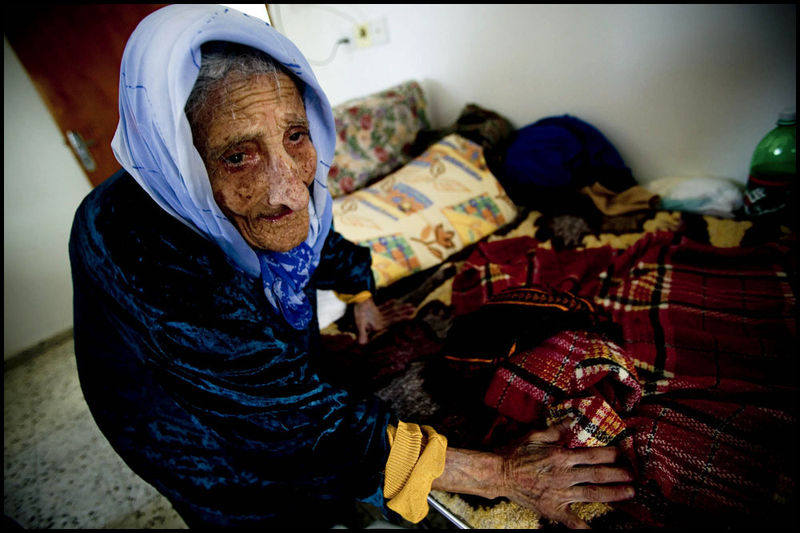 Zoriah_gaza_palestine_israel_palestinians_arab_muslim_medical_crisis_hospital_doctor_supplies_05-09-06-FD9T8870ci