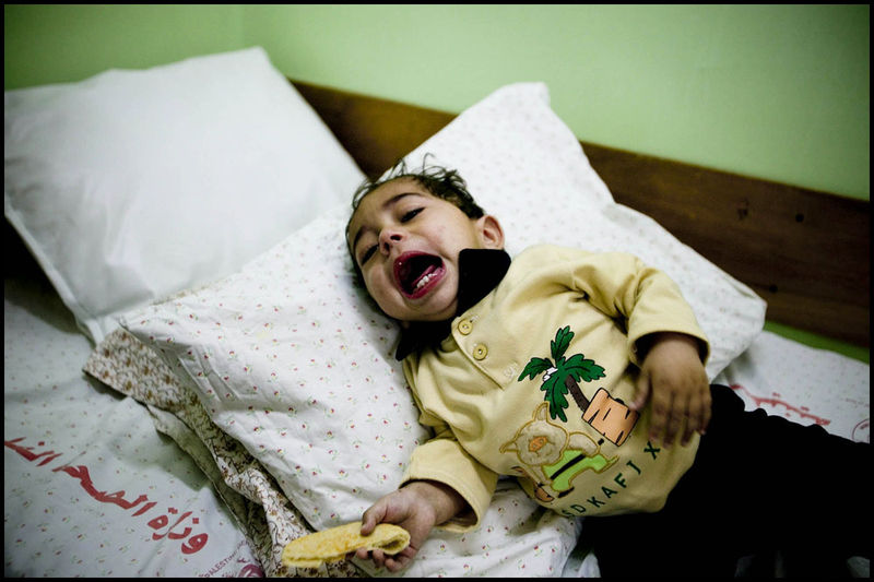 Zoriah_gaza_palestine_israel_palestinians_arab_muslim_medical_crisis_hospital_doctor_supplies_05-08-06-FD9T8615ci