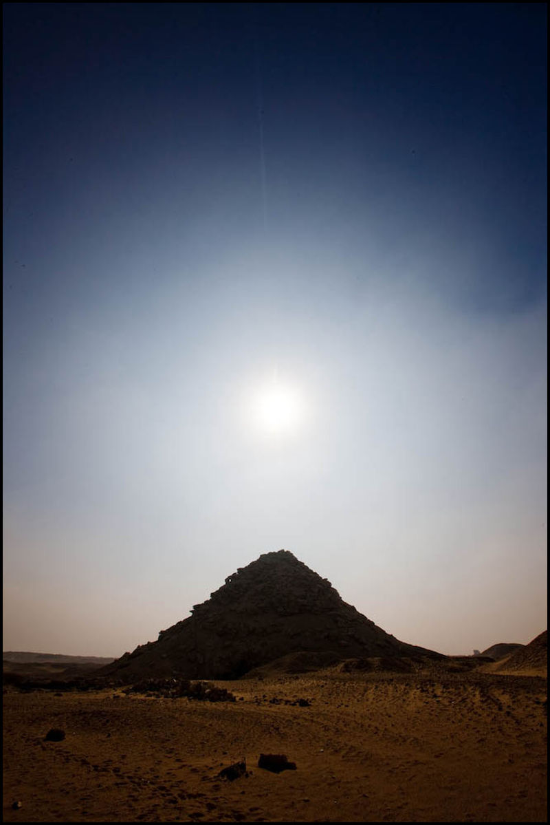 Zoriah_cairo_pyramid_landscape_zahi_hawass_dig_site_archeology_archeologist_color20081230_3815