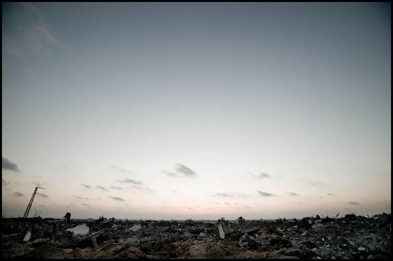Zoriah_gaza_palestine_israel_attack_idf_bombing_neighborhood_settlement_destruction_war_civilian_damage_20060512_9415