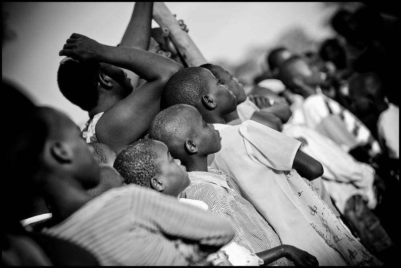 Zoriah_barack_obama_kogelo_kenya_inauguration_day_american_president_village_celebration_20090119_3478