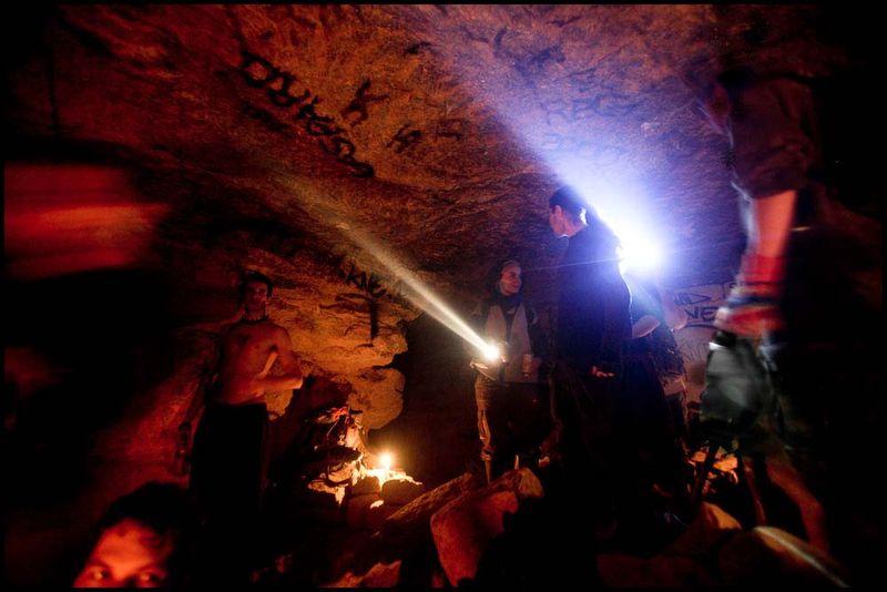 Zoriah_catacombs_de_paris_cataphile_cataphiles_decent_descent_descendre_france_0012_20081219_2865