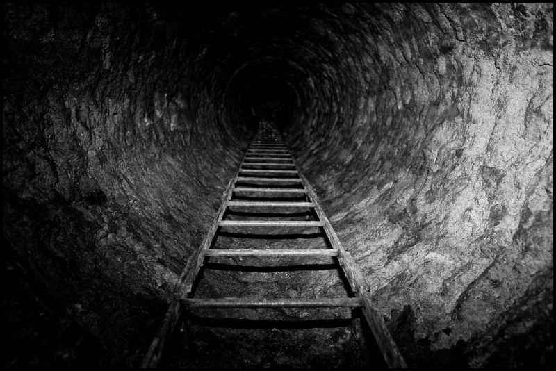 Zoriah_catacombs_de_paris_cataphile_cataphiles_decent_descent_descendre_france_0001_20081220_3194