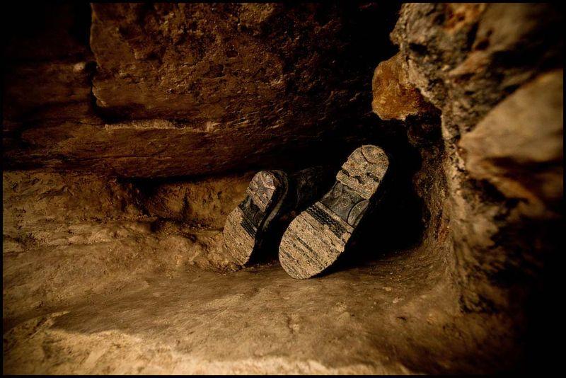 Zoriah_catacombs_de_paris_cataphile_cataphiles_decent_descent_descendre_france_0002_20081219_3102