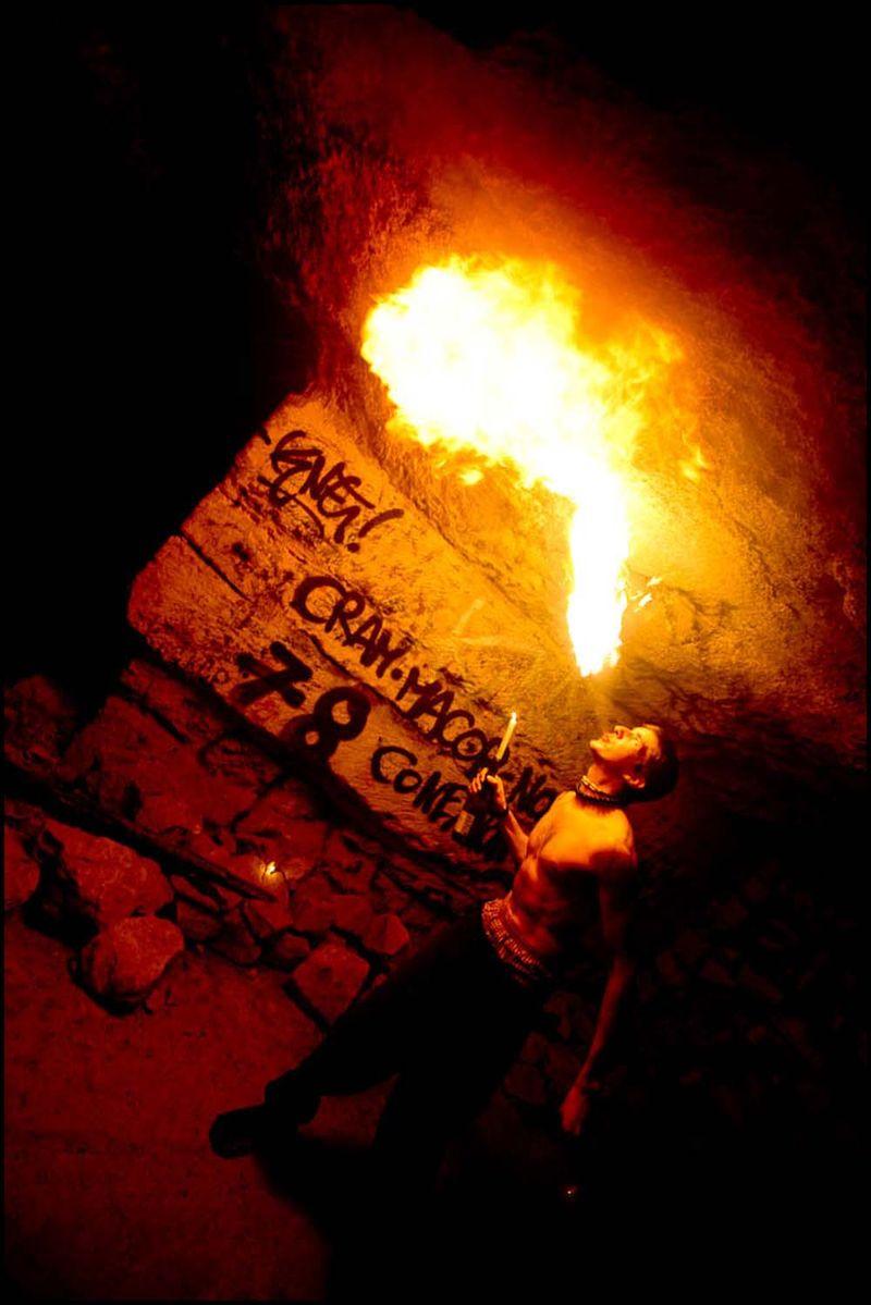 Zoriah_catacombs_de_paris_cataphile_cataphiles_decent_descent_descendre_france_0009_20081219_2824