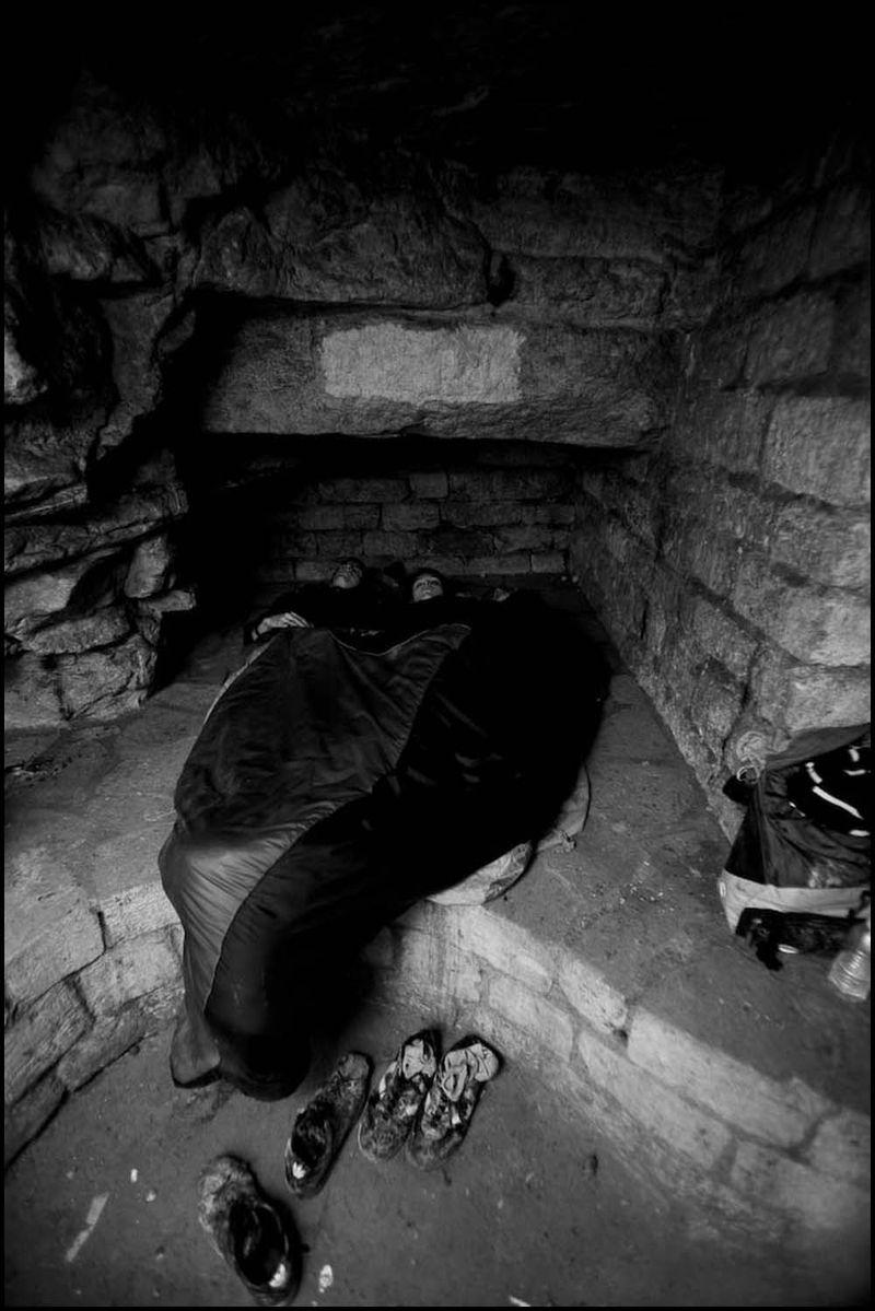 Zoriah_catacombs_de_paris_cataphile_cataphiles_decent_descent_descendre_france_0024_20081220_3182