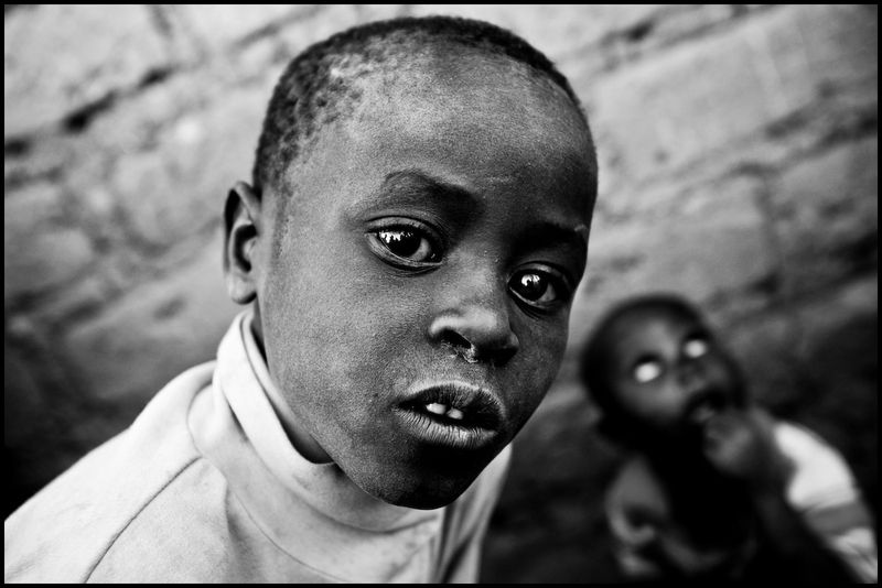 Zoriah_photojournalist_war_photographer_kenya_child_children_poverty_poor_20090113_4328