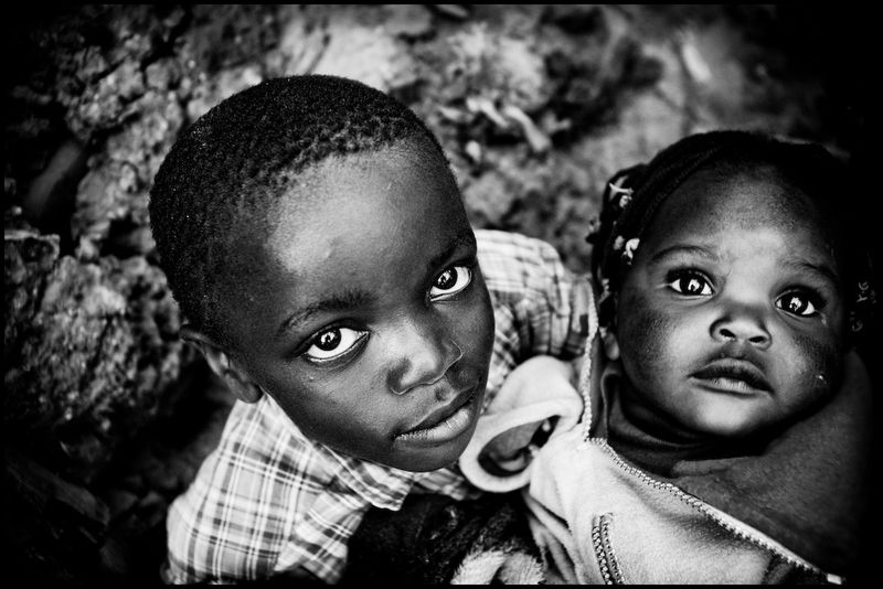 Zoriah_photojournalist_war_photographer_kenya_child_children_poverty_poor_20090124_6956