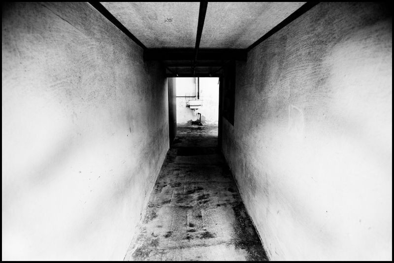 Zoriah_photojournalist_war_photographer_dachau_nazi_concentraion_camp_germany_20080826_0233-1