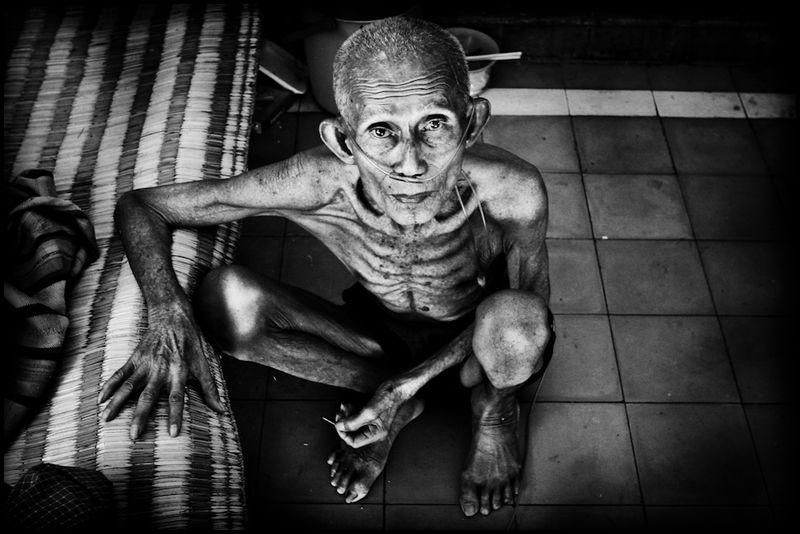 Zoriah_photojournalist_war_photographer_AIDS_in_asia_20041208_9787