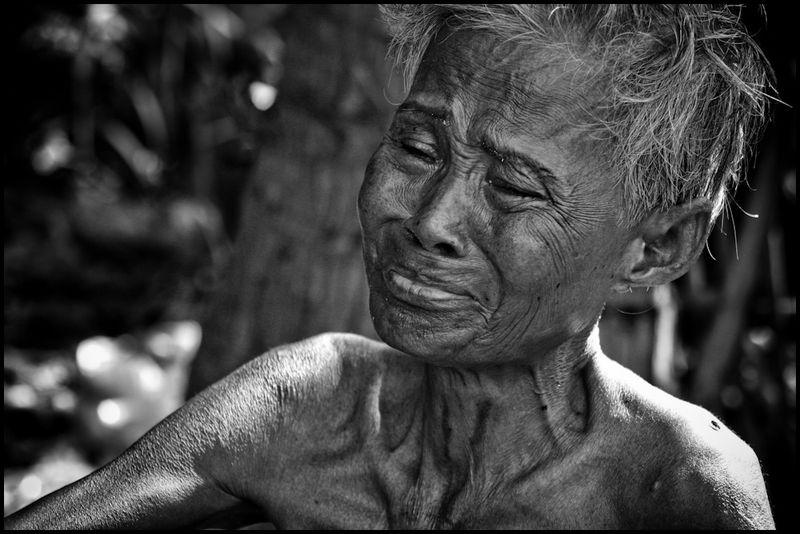 Zoriah_photojournalist_war_photographer_AIDS_in_asia_20041129_9502