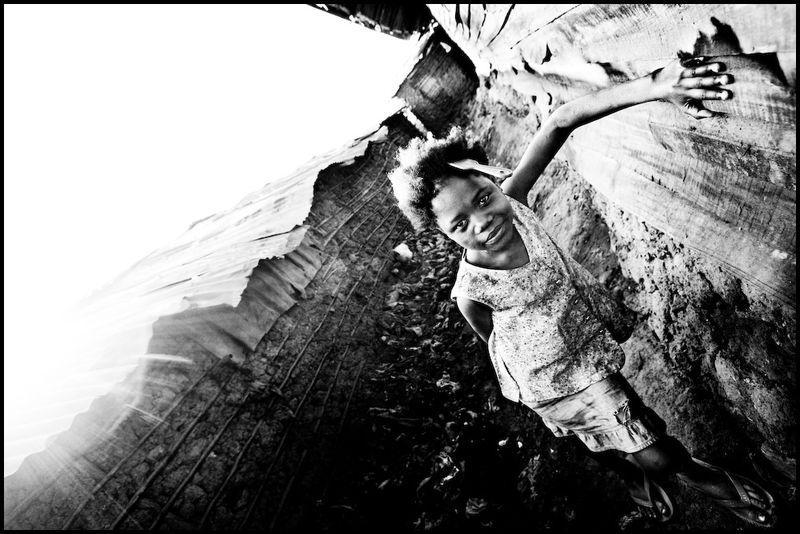 Zoriah_photojournalist_war_photographer_kenya_child_children_poverty_poor_20090124_6848