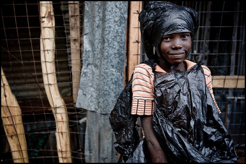 Zoriah_photojournalist_war_photographer_kenya_child_children_poverty_poor_20090127_9204