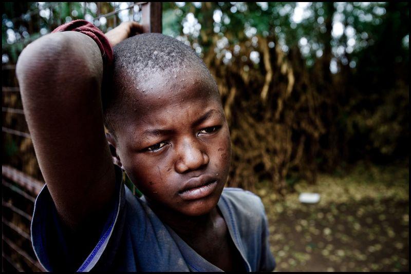 Zoriah_photojournalist_war_photographer_kenya_child_children_poverty_poor_20090128_9729