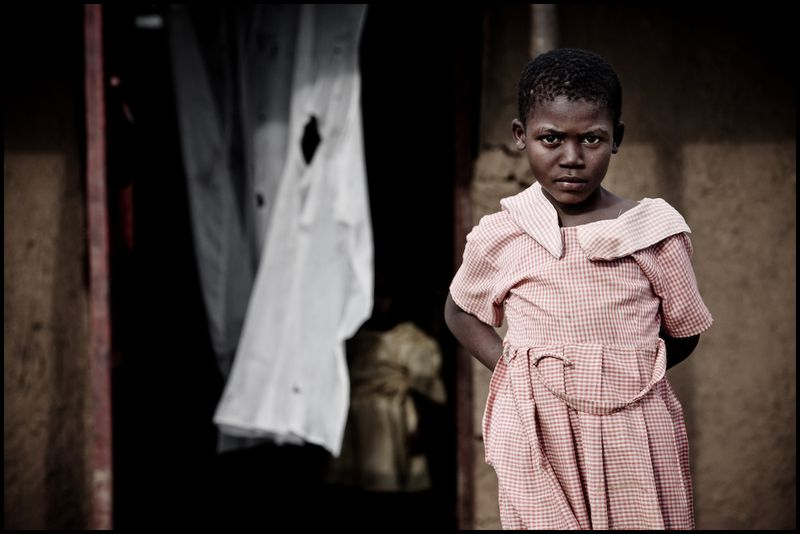 Zoriah_photojournalist_war_photographer_kenya_child_children_poor_poverty_slum_20090119_3309