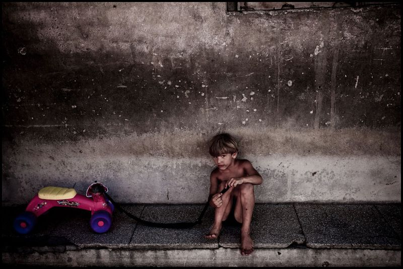 Zoriah_photojournalist_war_photographer_havana_cuba_child_children__20090810_0352