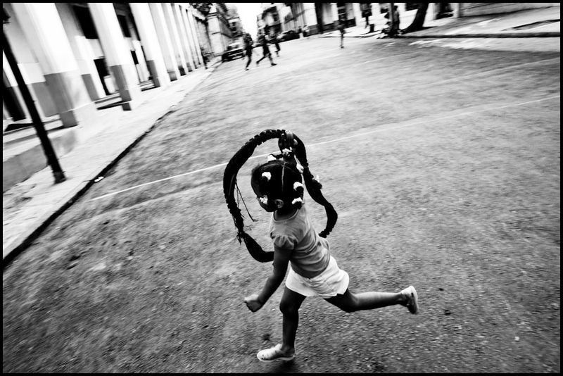Zoriah_photojournalist_war_photographer_havana_cuba_child_children__20090813_0371