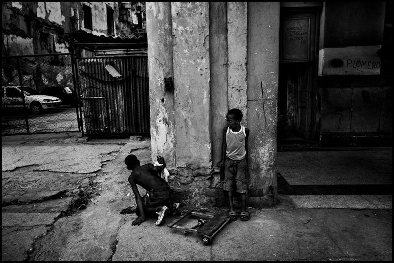 Zoriah_photojournalist_war_photographer_havana_cuba_child_children__20090814_0129