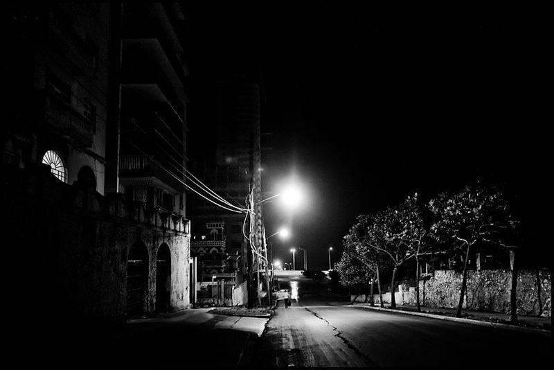 Zoriah_photojournalist_war_photographer_cuba_havana_workers_jobs_labor_work__20090806_0327