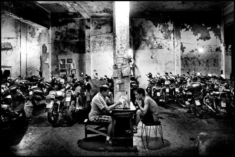 Zoriah_photojournalist_war_photographer_cuba_havana_workers_jobs_labor_work__20090804_1087