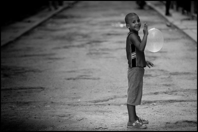 Zoriah_photojournalist_war_photographer_cuba_cuban_condoms_20090811_0231
