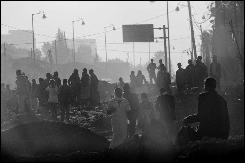 Zoriah_photojournalist_war_photographer_ethiopia_addis_ababa_smog_pollution_20091102_0354