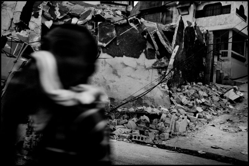 Zoriah_photojournalist_war_photographer_haiti_earthquake_port_au_prince_earth_quake_20100119_0432