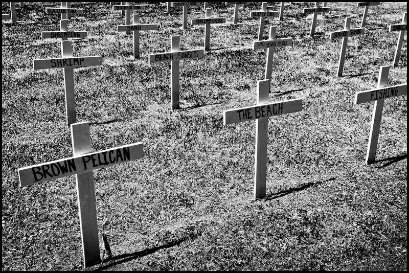 0005_zoriah-photojournalist-war-photographer_20100728_3431