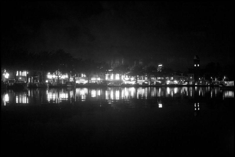 Zoriah_photojournalist_war_photographer_ship_barge_holland_20100918_0012