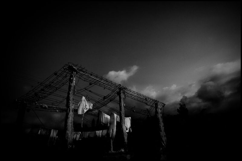 Zoriah-photojournalist-war-photographer-haiti-earthquake_20100325_0184-1