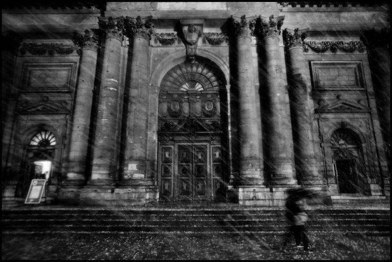 Paris_christmas_zoriah_photojournalist_war_photographer_20101218_0385