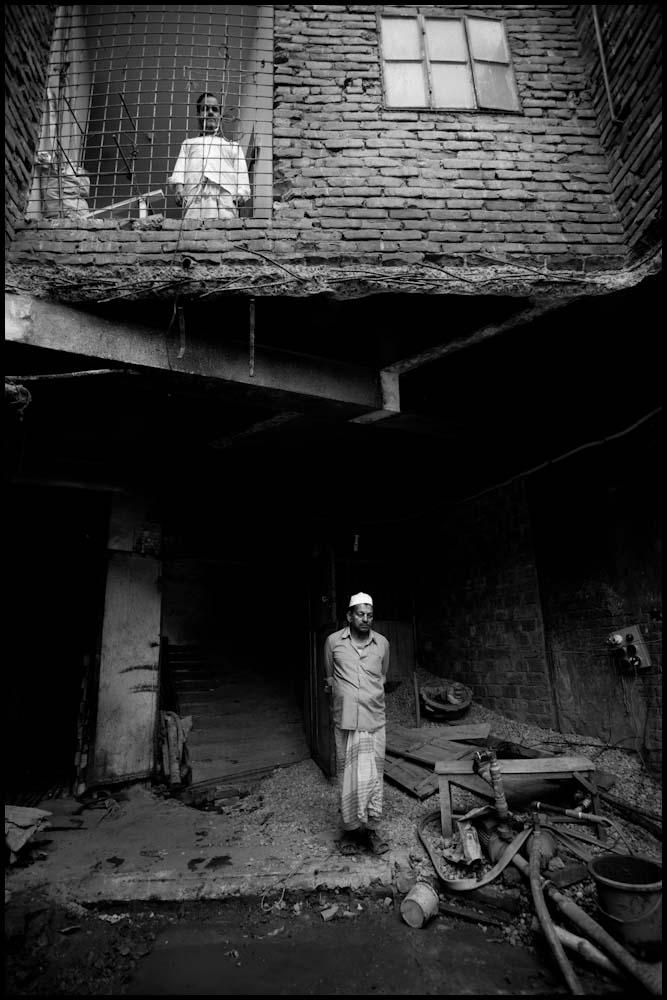 Zoriah_photojournalist_war_photographer-dhaka-street_20100216_0311