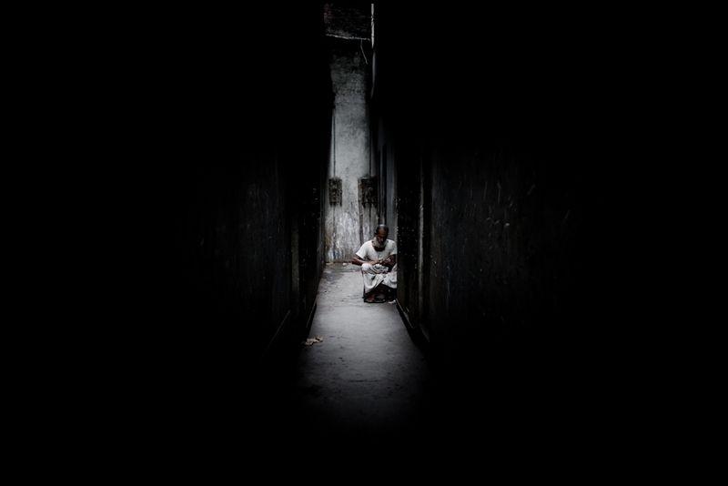 Zoriah_photojournalist_war_photographer-bangladesh-alley_20100216_0324