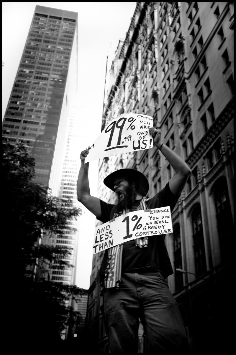 0009_zoriah_photojournalist_war_photographer-occupy-wall-street-protests_20111009_0059