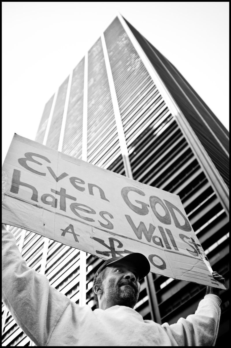 0018_zoriah_photojournalist_war_photographer-occupy-wall-street-protests_20111006_0328