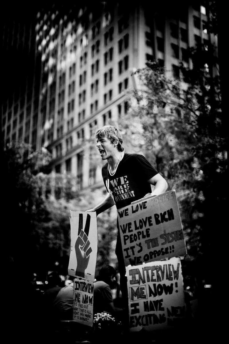 0004_zoriah_photojournalist_war_photographer-occupy-wall-street-protests_20111009_0500