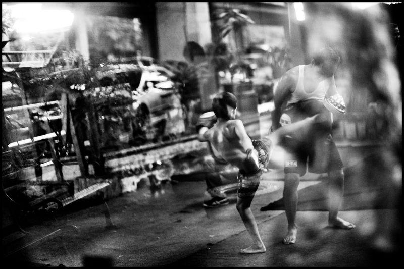 0001_zoriah_photojournalist_war_photographer_muay_thai_thailand_bangkok_kickboxing_20110827_0390