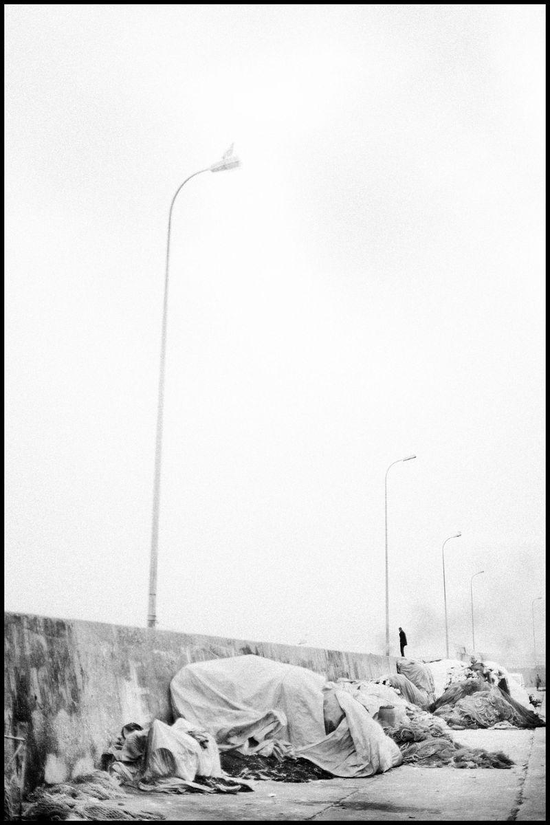 0001_zoriah_photojournalist_war_photographer_istanbul_turkey_fishing_20120413_1064