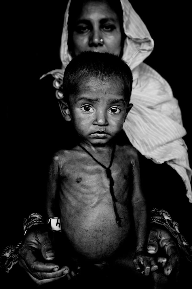 Zoriah_photojournalist_war_photographer-rohingue-refugee-boy_20100302_0446