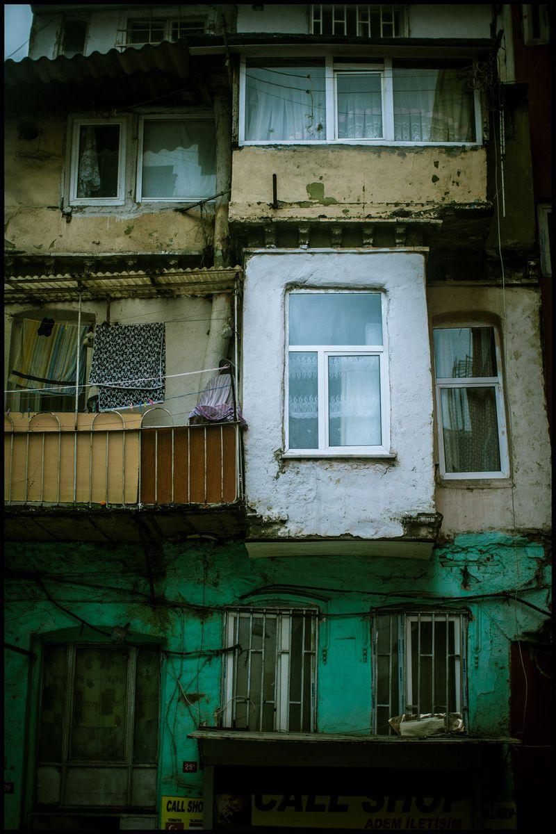 0004_zoriah_photojournalist_war_photographer-color-photography_20120409_0684