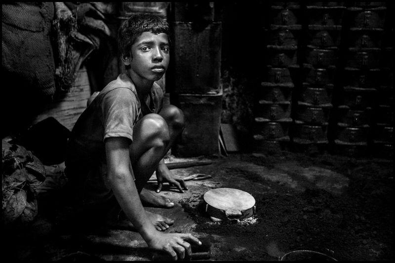 0001_zoriah_photojournalist_war_photographer_20120815_0471