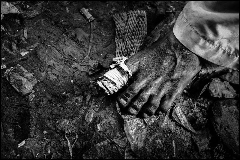 0005_zoriah_child_labor_children_working_20120817_0173