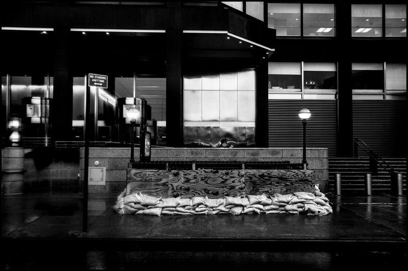 0010_zoriah_photojournalist_war_photographer_hurricane_sandy_new_york_city_20121030_0035-2