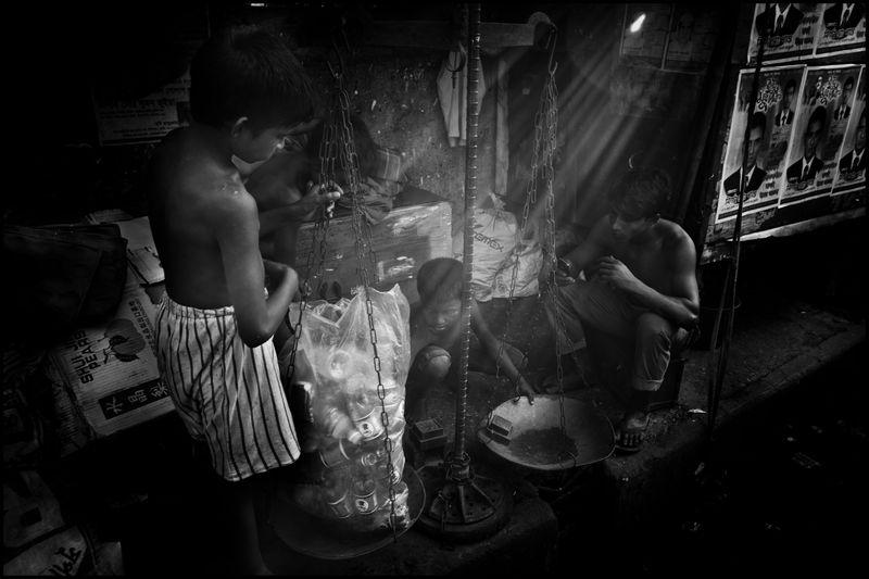 0008_zoriah_child_labor_children_working_20120817_0176