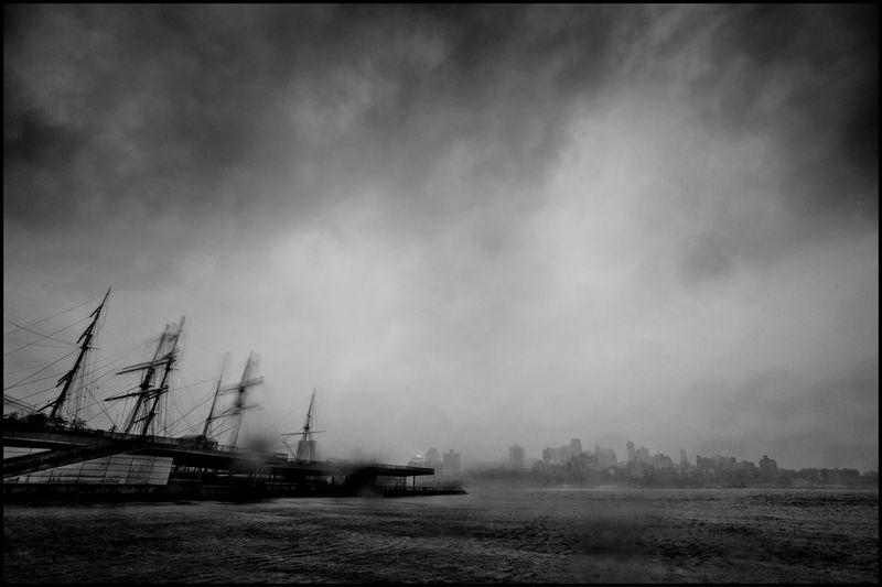 0001_zoriah_photojournalist_war_photographer_hurricane_sandy_new_york_city_20121030_0253
