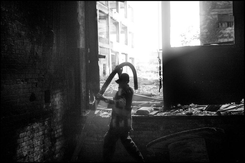 0001_zoriah_photojournalist_war_photographer_detroit_metal_salvage_20130619_9128