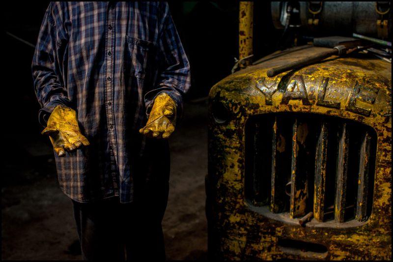 0001_zoriah_photojournalist_war_photographer_detroit_metal_scavenger_20130623_9999