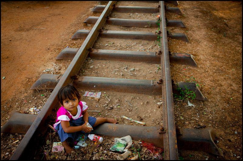 0001_cambodia_train_track_slum_phnom_penh_20131114_7765